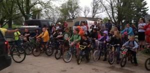 Diagonal Bike-Walk to School Day